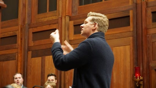 Conductor Christopher Gabbitas rehearses with the Phoenix Chorale.