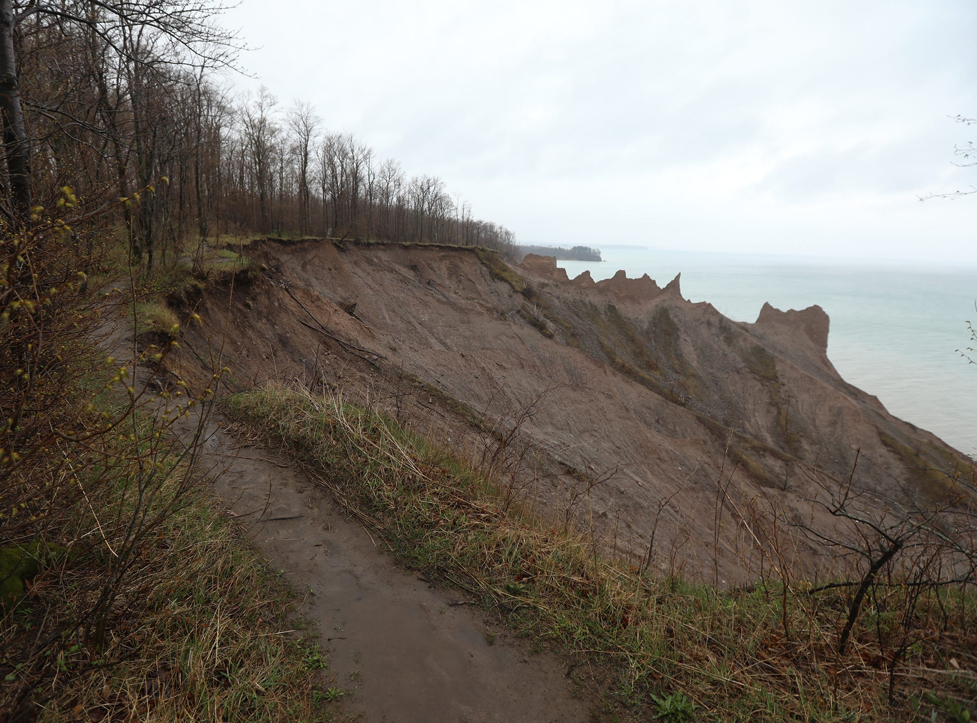 Some of the bluff trail has fallen off.  An alternate path now brings hikers close but not to the edge of the bluffs.