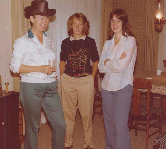 Mary Carr (from left), with her daughter, Cynthia Carr Falardeau, and niece Susan Cobb McGowen, at a family gathering in 1979.
