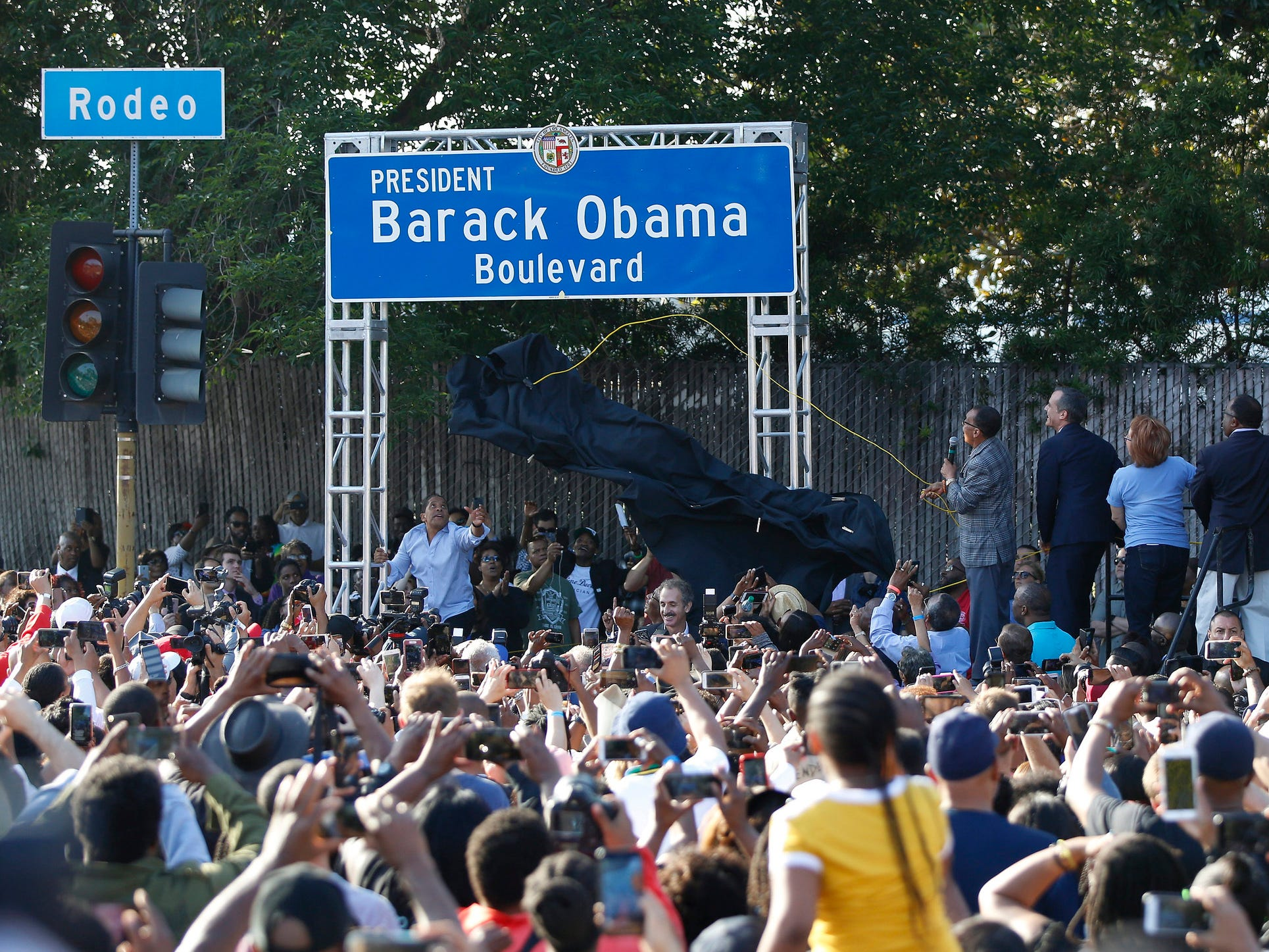 Los Angeles renames Rodeo Rd. for former President Barack Obama