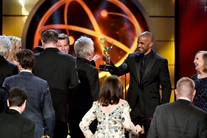 "Shemar Moore presents the outstanding drama aeries award to Mal Young and cast and crew for ""The Young and the Restless"" at the 46th annual Daytime Emmy Awards."