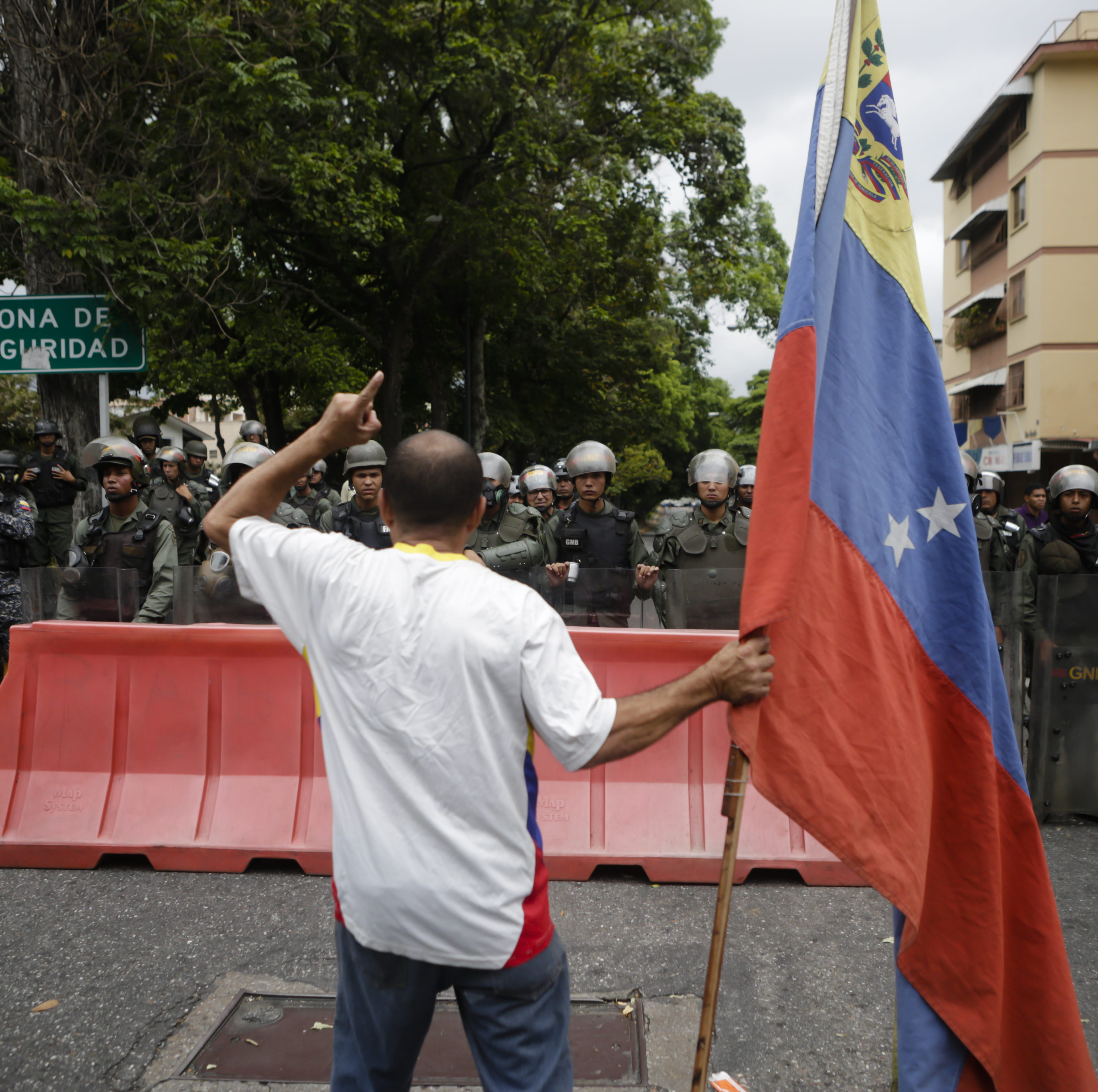 US army could help Venezuela with nonviolent resistance against Maduro: West Point prof