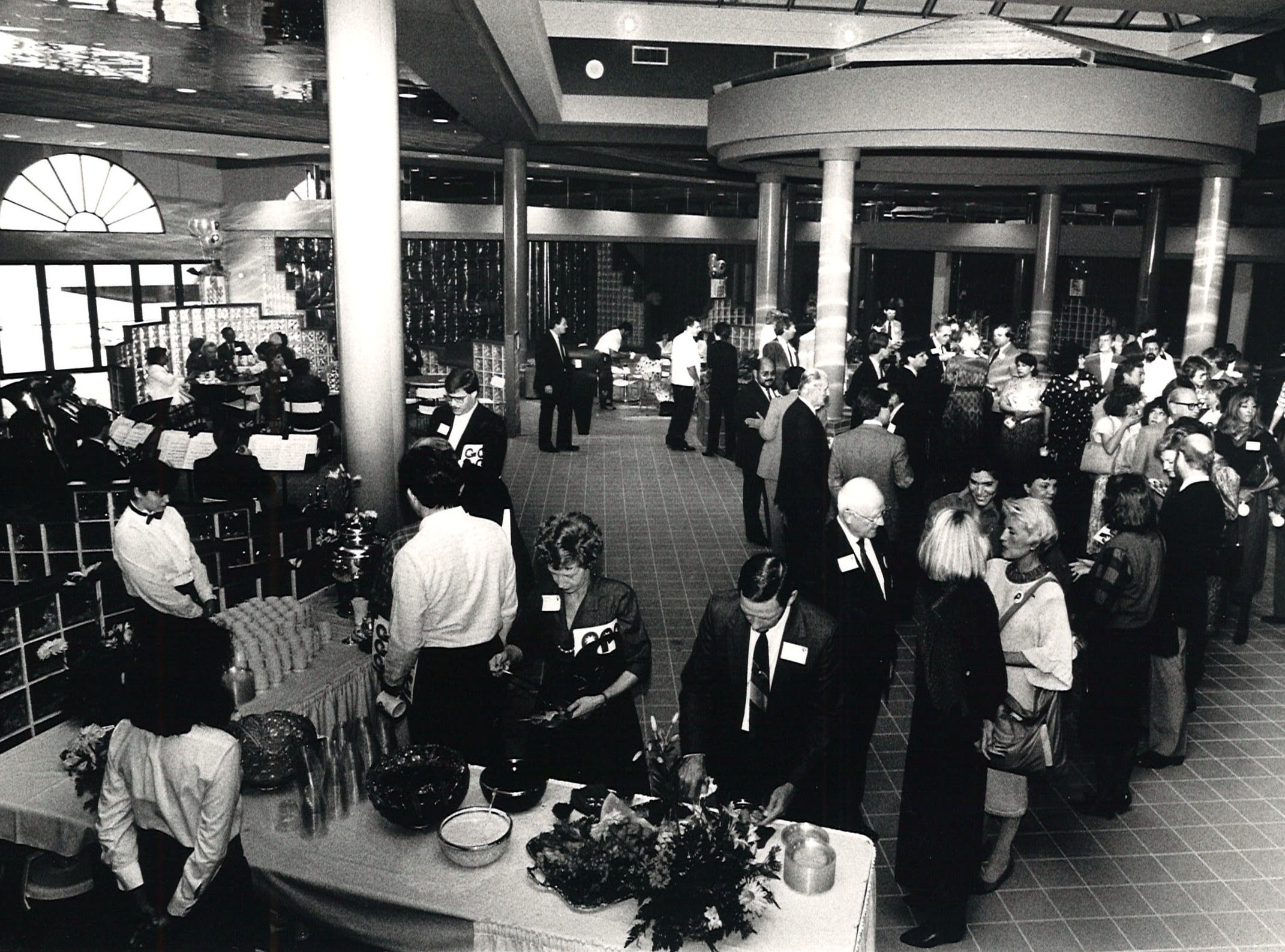 Guests got a sneak preview of the brand new food court in Corpus Christi's Padre Staples Mall on Nov. 3, 1986.