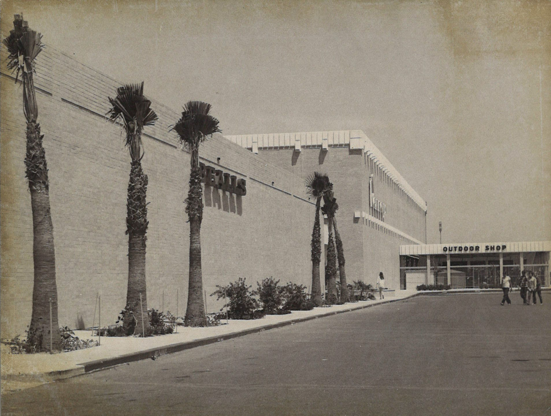 Outside of Bealls at Padre Staples Mall in Corpus Christi on July 29, 1970. The mall's grand opening was July 30, 1970.