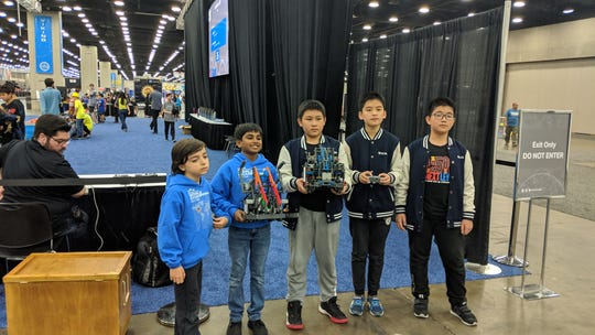 Congratulations to Gagan and Levent for representing New Jersey at the Worlds VEX IQ Elementary Robotics Championship in Louisville, Kentucky. They did very well during the competition receiving the 5th highest score among 400 teams. At the Vex IQ Competition, TEECS was among more than 8,500 teams from 45 countries playing in over 900 tournaments.