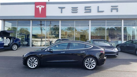 The Tesla Cleveland-Lyndhurst dealership in Ohio. Unlike Michigan, Ohio allows a limited number of manufacture-owned dealers.