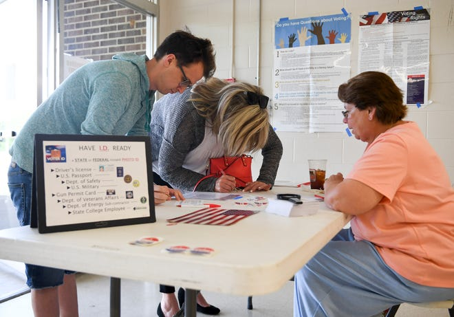 Voters cast their ballots at North Side High School, Tuesday, May 7, in the 2019 Jackson Mayoral and City Council elections.