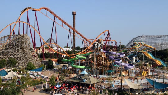 Six Flags Great America, in Gurnee, Illinois, has several rides for kids and families.