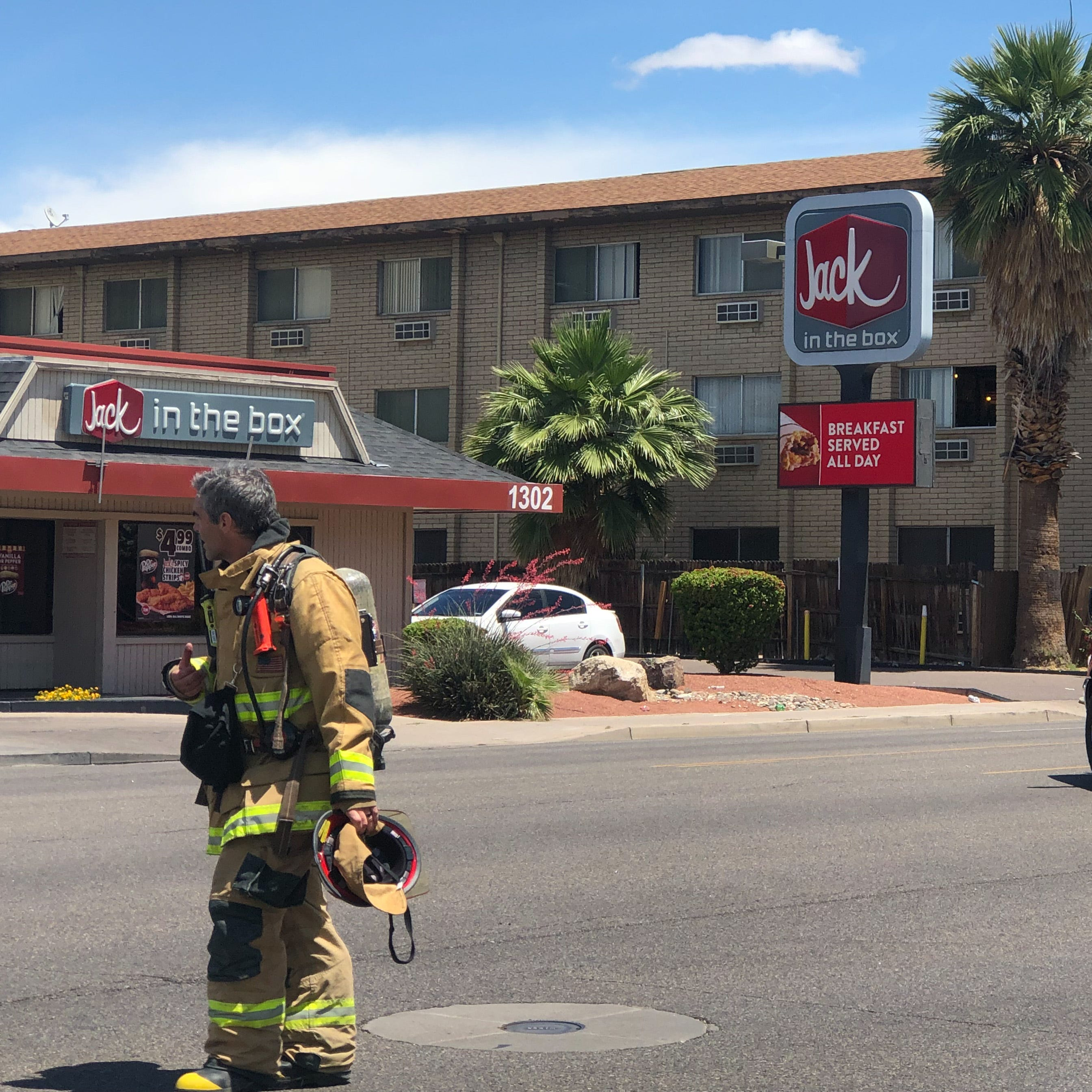 Gas leak closes Phoenix roads, forces businesses to evacuate