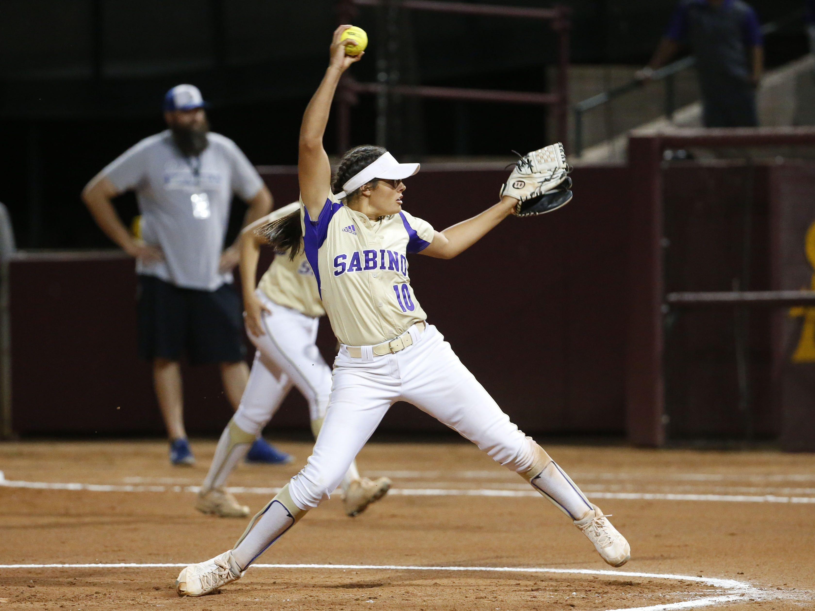 Sabino pitcher Danielle Kirchhofer (10) throws against Snowflake during the 3A softball state championship game in Tempe May 6, 2019.