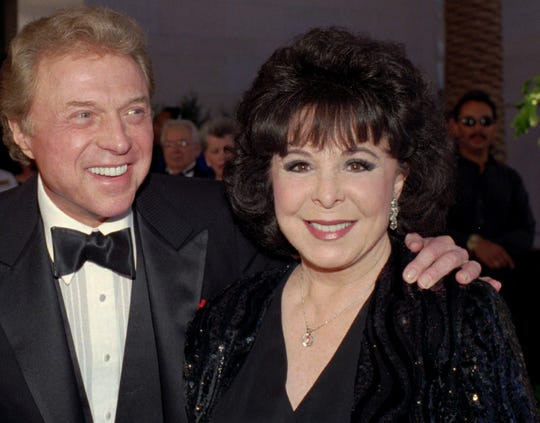 Steve Lawrence and Eydie Gormé are seen on May 30, 1998.