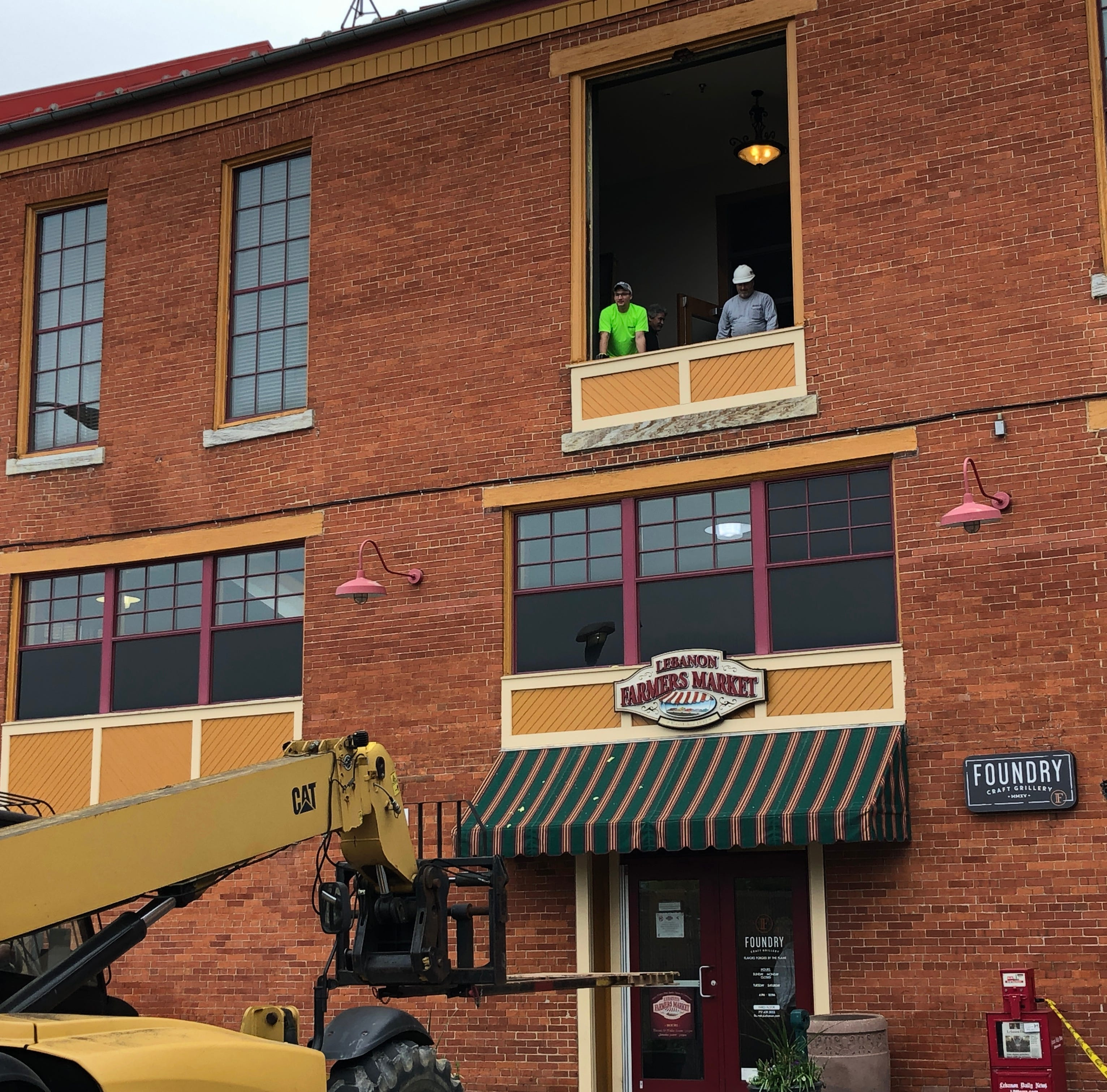 Check out Herculean effort needed to remove 2,000-pound grill at Lebanon Farmers Market