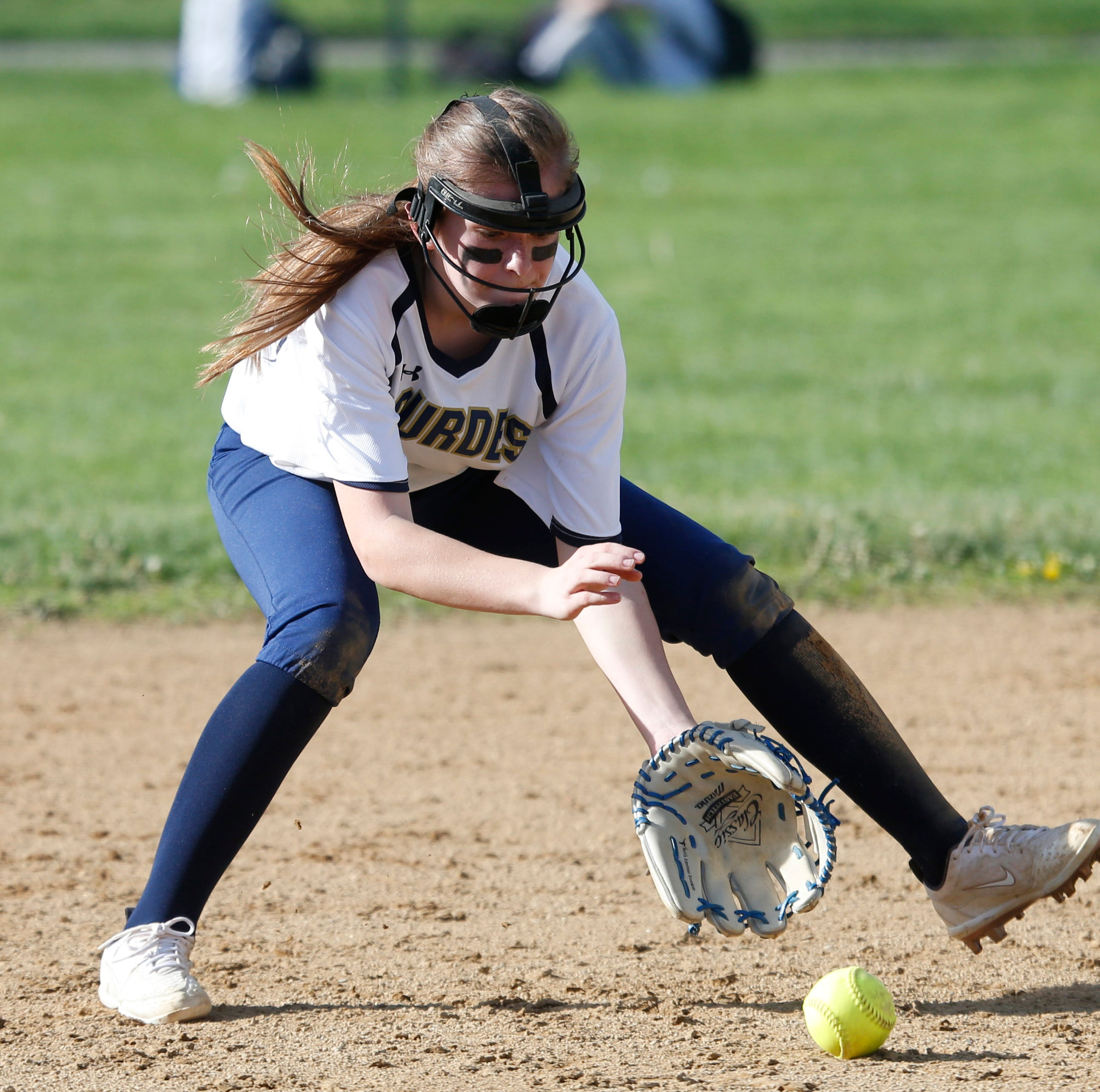How linebacker brothers helped Lourdes' Elaina Wagner become a softball standout