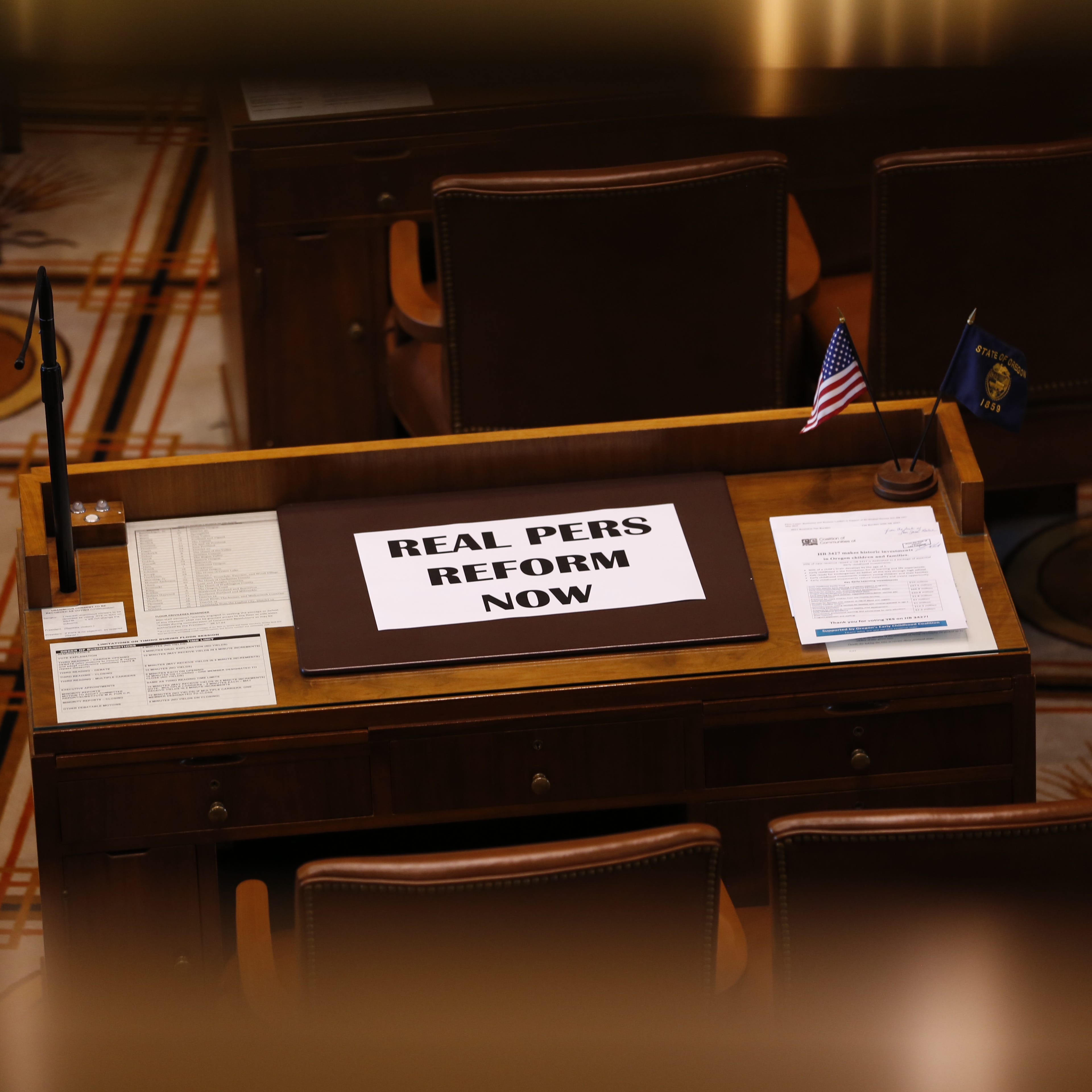 Oregon Senate approves cut to PERS, public employee retirement benefits