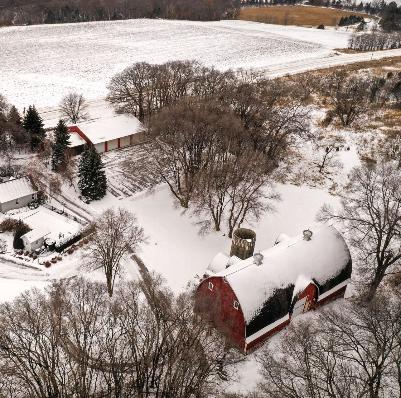 Mansion on the market: Elegant home offers 10 acres of farmland
