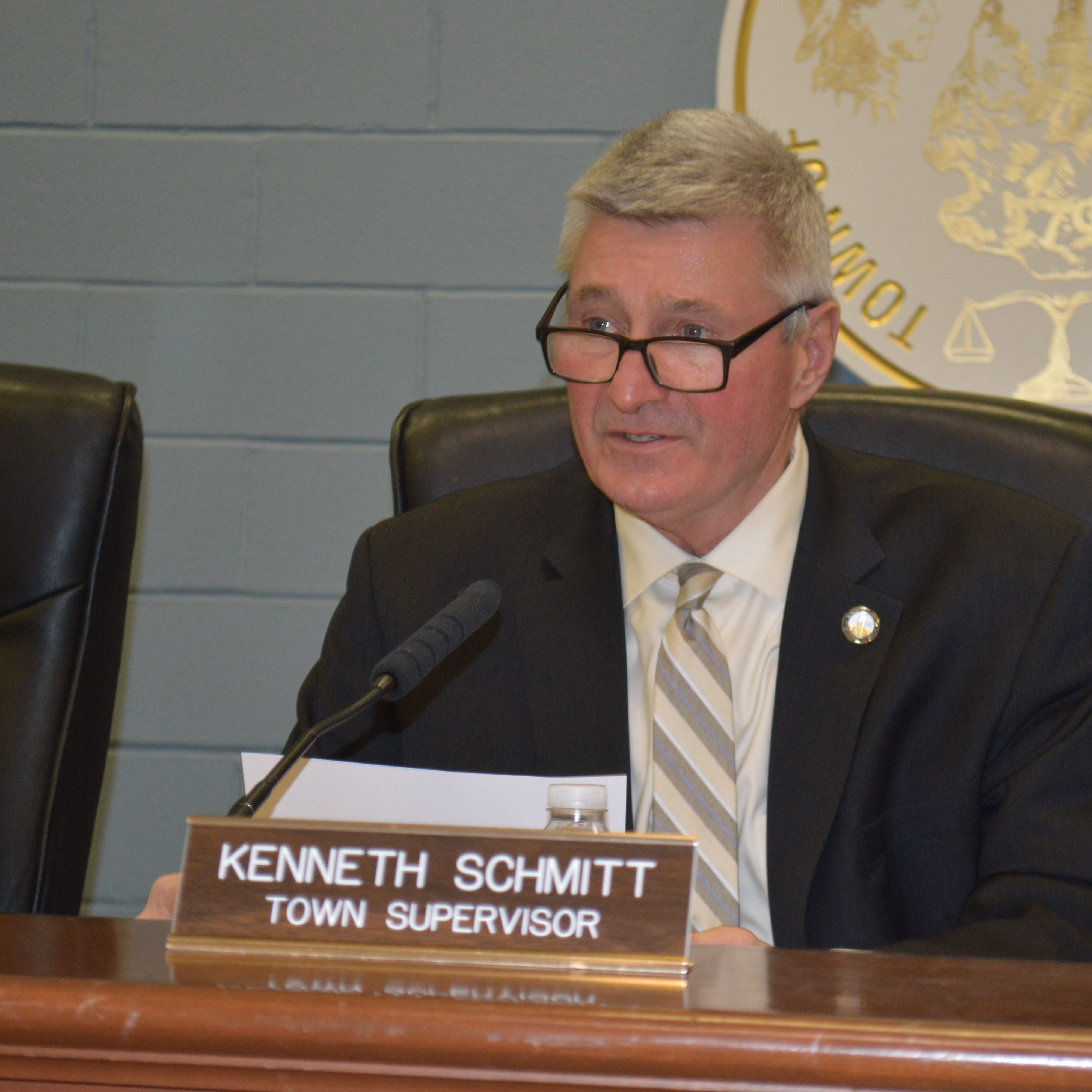 Carmel Supervisor Ken Schmitt wants AG probe into Swan Cove land purchase that he promoted