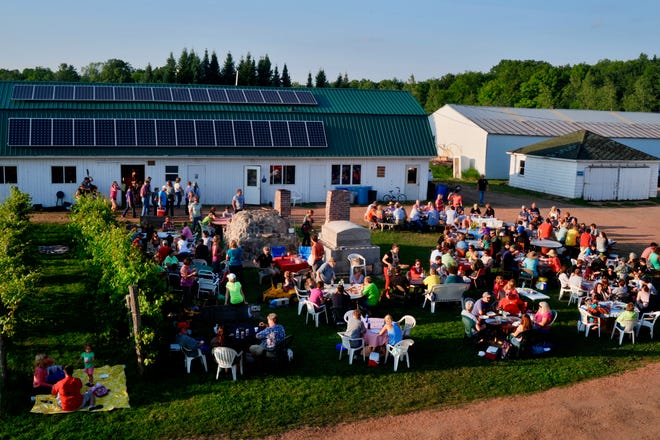 Research shows customers enjoy and recommend on-farm food experiences to friends, such as Pizza Night at Stoney Acres Farm in Athens, Wisconsin.