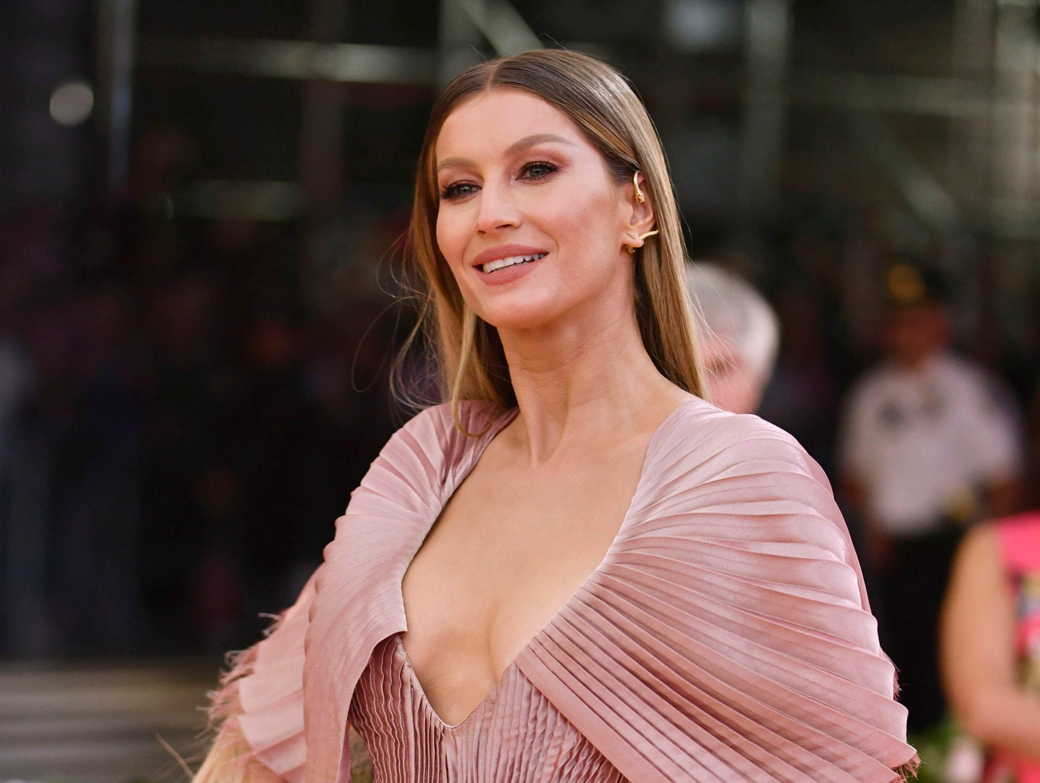 """Gisele Bundchen attends The Metropolitan Museum of Art's Costume Institute benefit gala celebrating the opening of the """"Camp: Notes on Fashion"""" exhibition on Monday, May 6, 2019, in New York. (Photo by Charles Sykes/Invision/AP) ORG XMIT: NYJW357"""