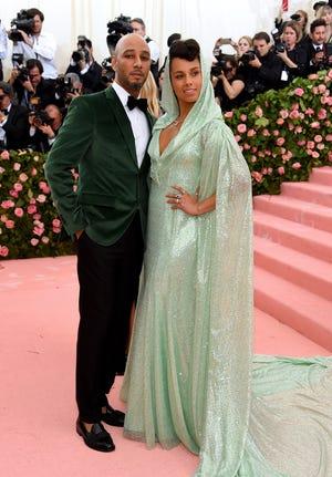 Alicia Keys poses with husband Swizz Beatz.