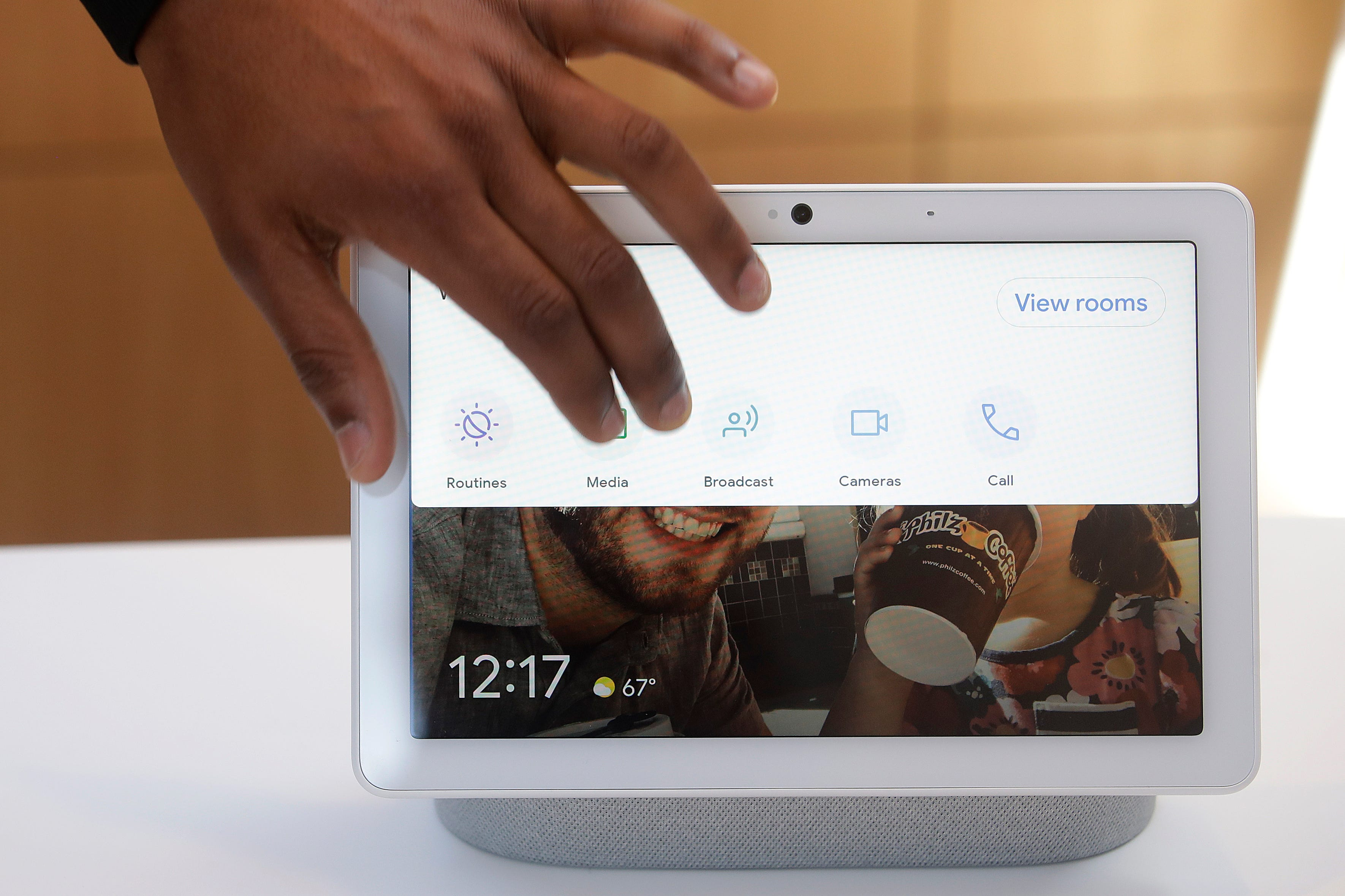Google's Kayitta Johnson gives a demonstration of the Nest Hub Max at the Google I/O conference in Mountain View, Calif., Tuesday, May 7, 2019.
