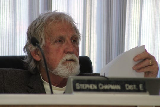 Rapides Parish School Board member Dr. Stephen Chapman offered a substitute motion to notify residents around D.F. Huddle Elementary School that the district plans to build a parking lot for school buses and other vehicles behind the school. It will use a portion of green space sometimes used by residents.