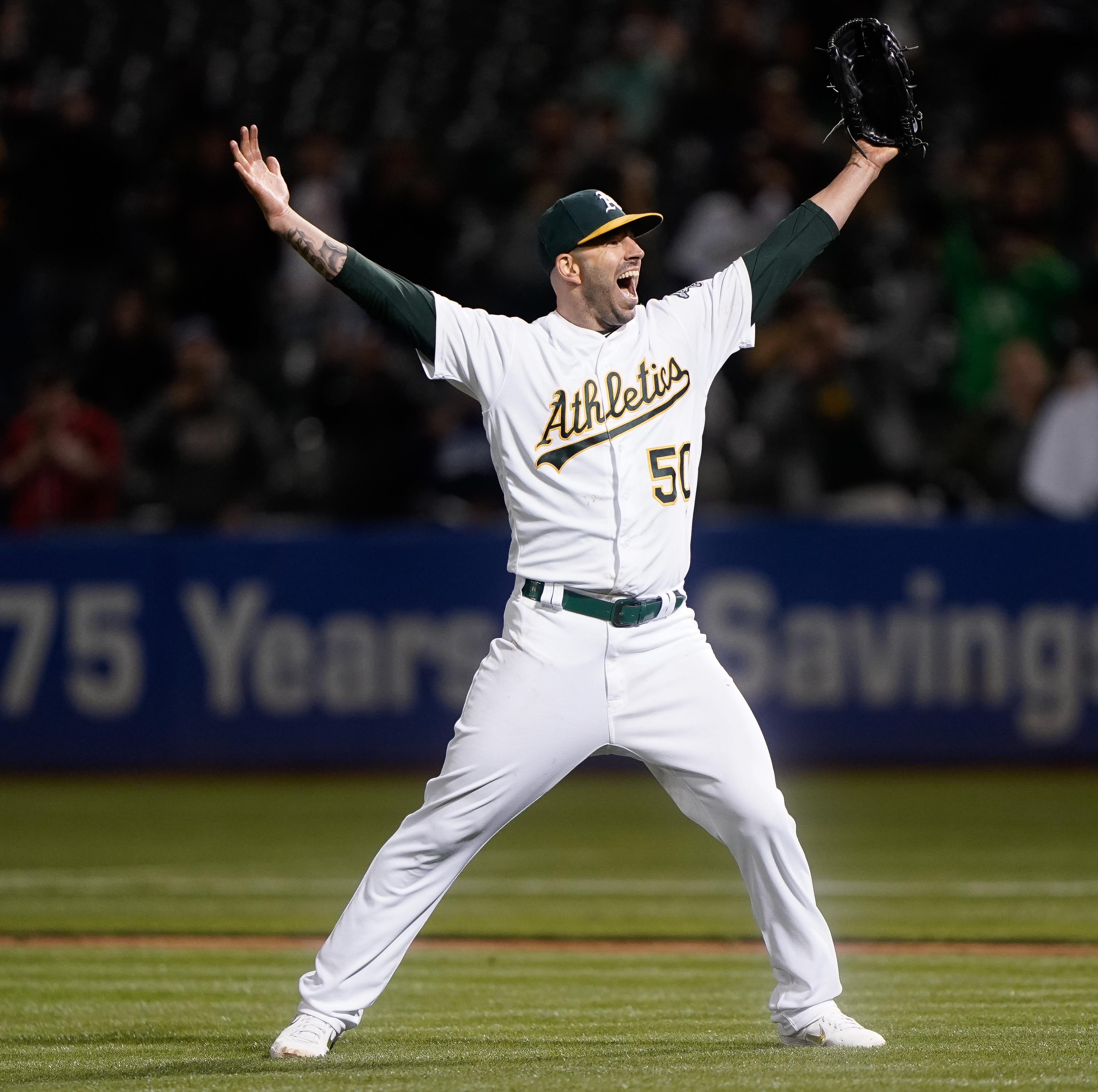 Oakland Athletics pitcher Mike Fiers tosses a no-hitter against Cincinnati Reds