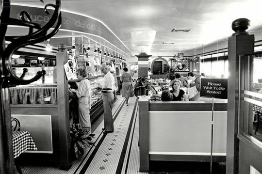 People inside a Salvatore Scallopini Italian restaurant in 1984.