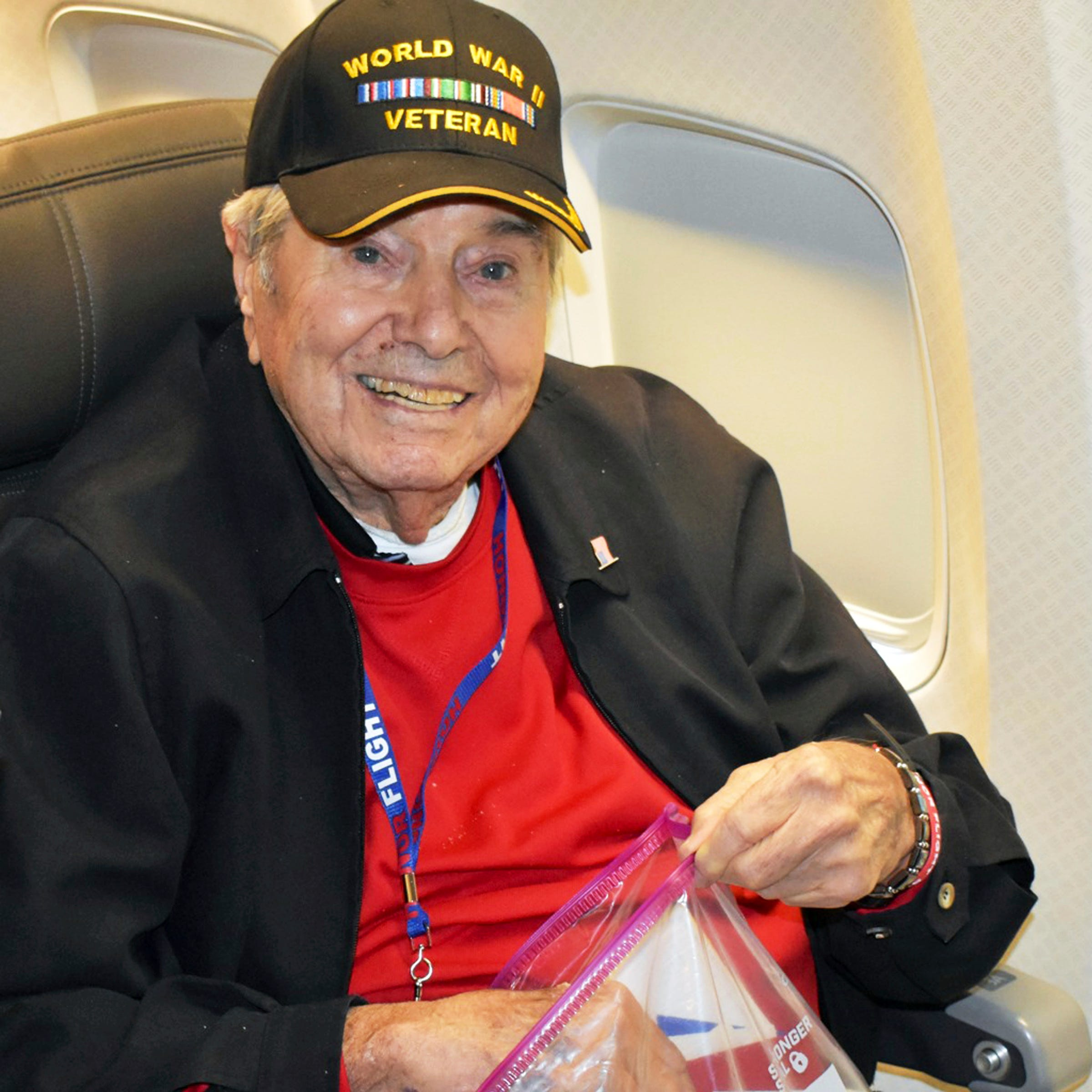 World War II vet views nation's war memorials in Washington but dies on Honor Flight home