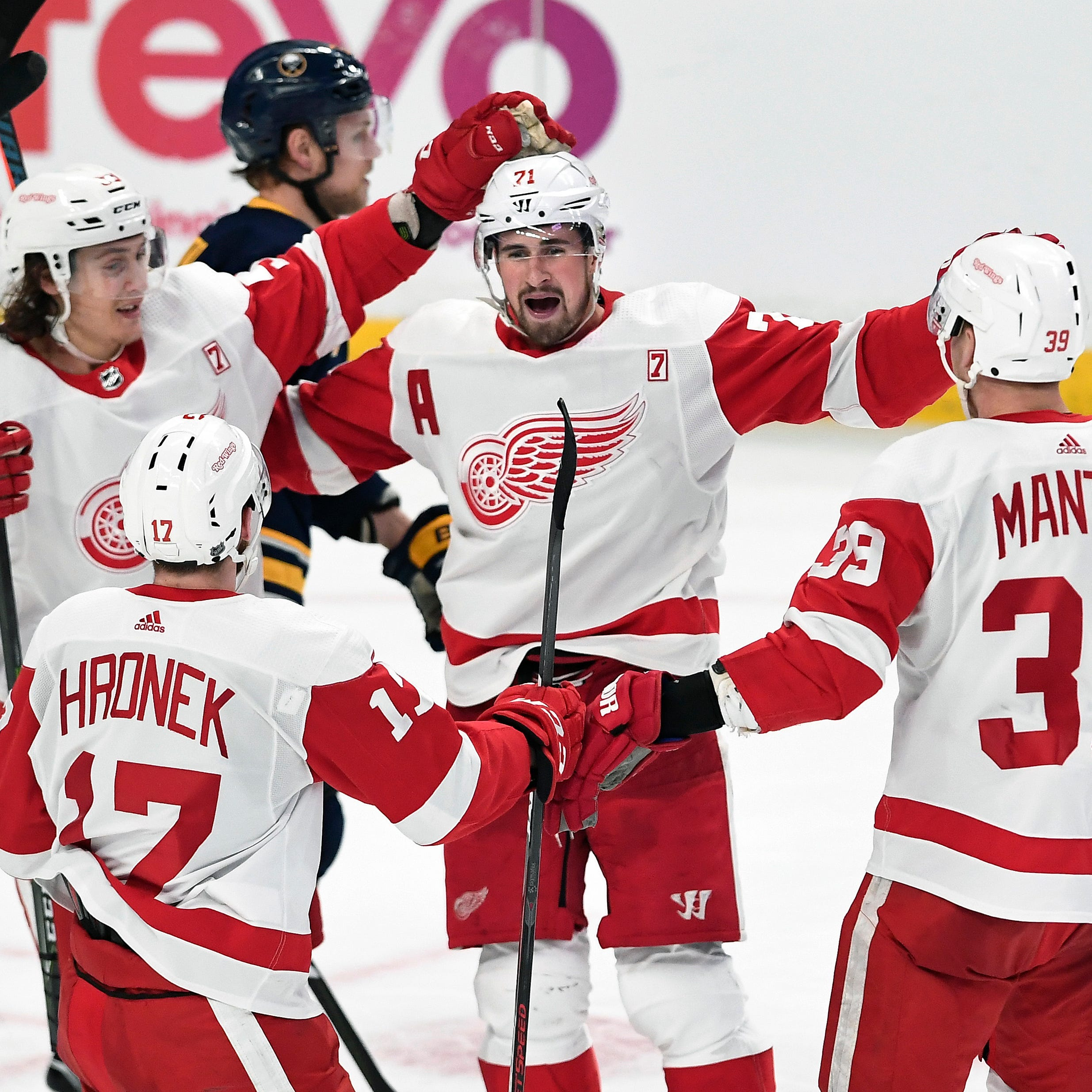 NHL analysts: Red Wings' rebuild on right path