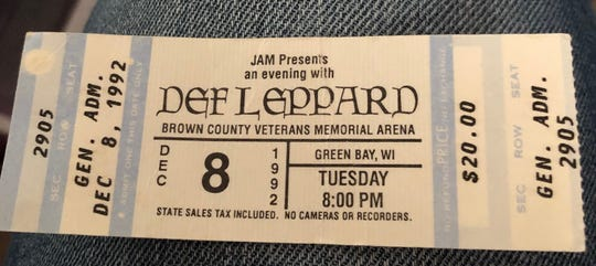 Def Leppard played back-to-back shows Dec. 8 and 9, 1992, to more than 11,000 fans.