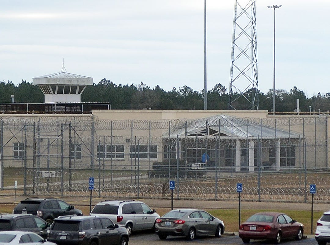 The South Mississippi Correctional Facility is located in Leakesville.