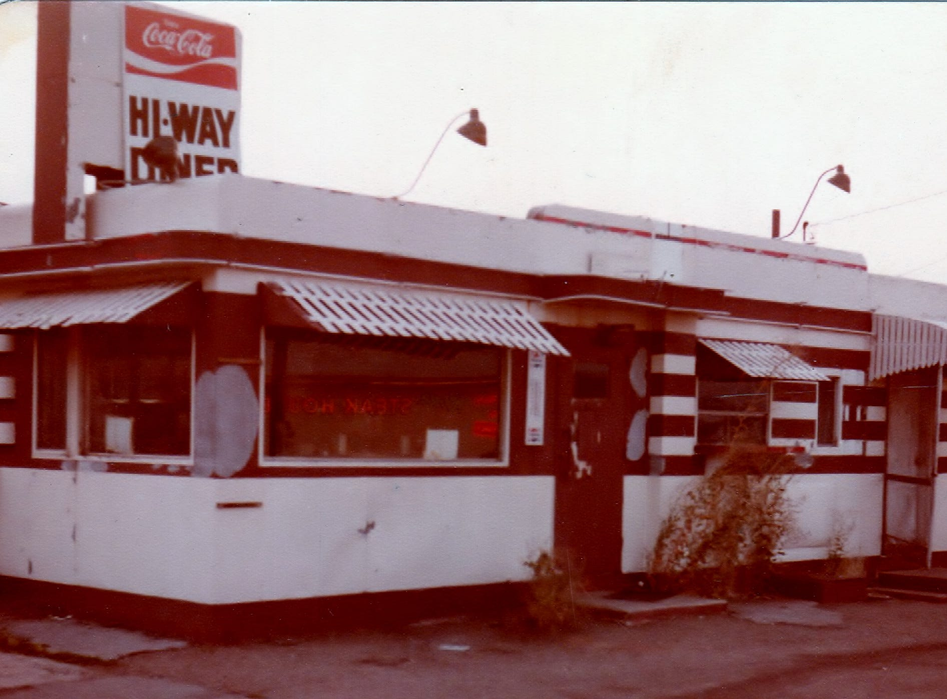 The Hi-Way Diner in Williams, 1979.