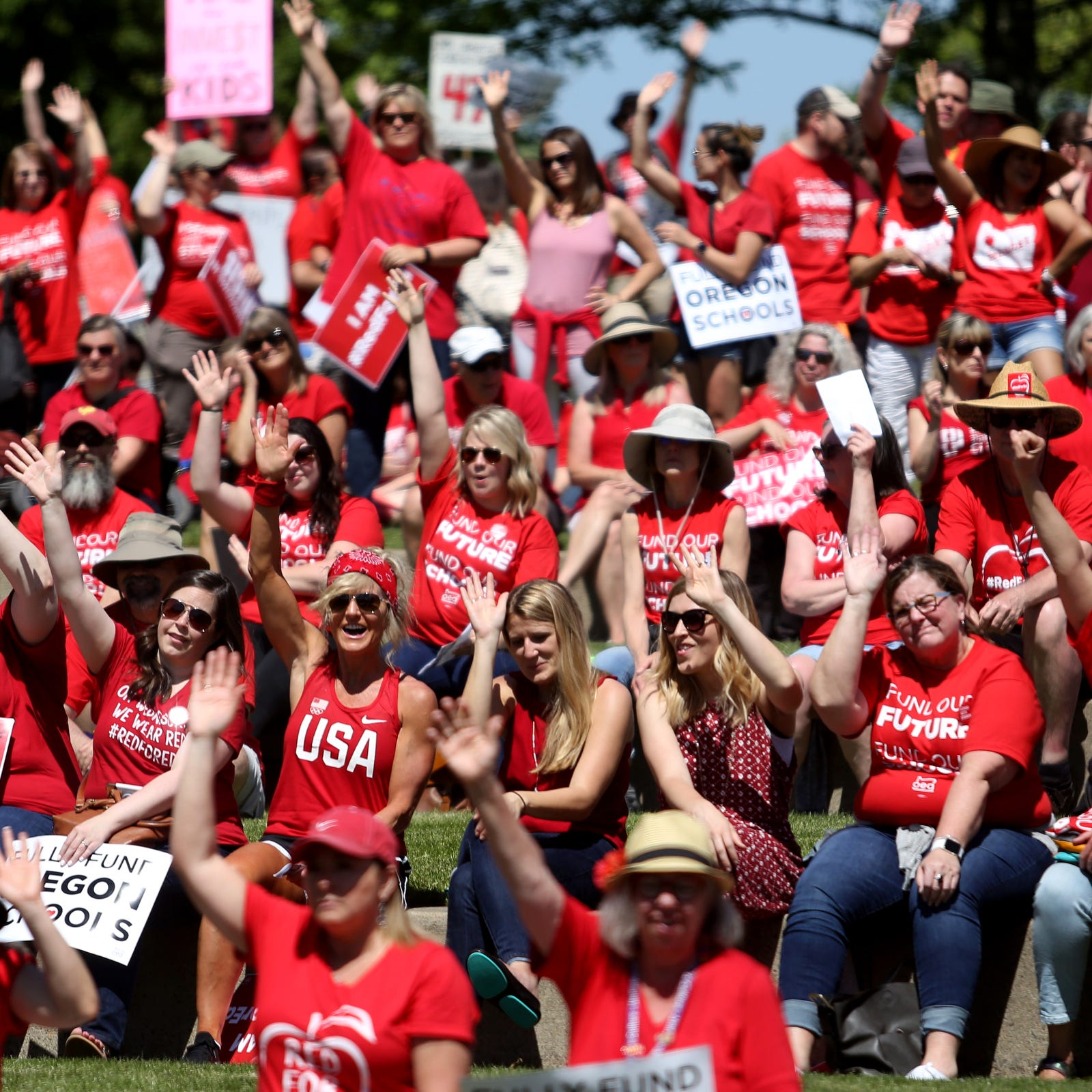 Hundreds of Oregon teachers rally at Capitol, Republican senators still absent