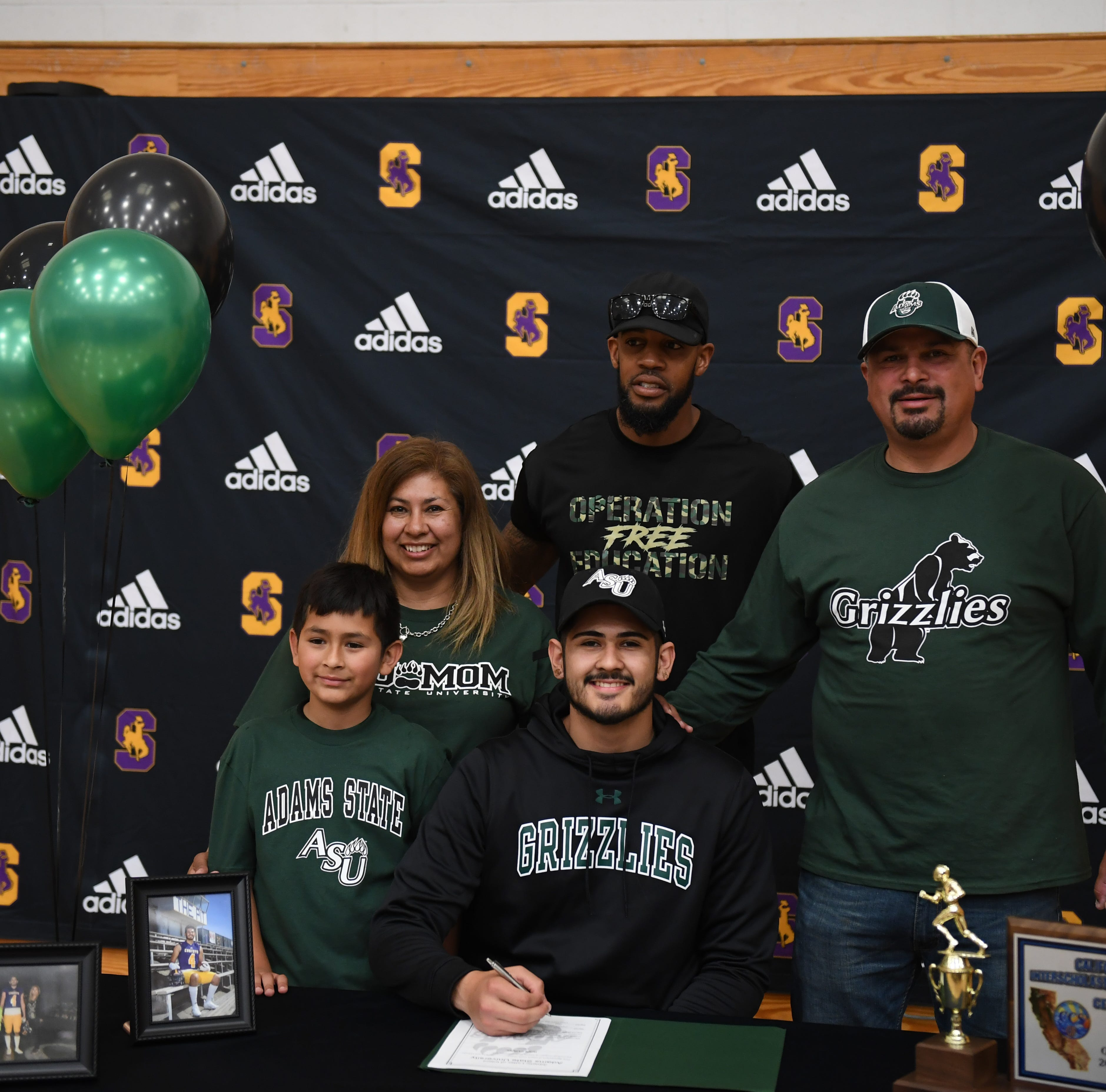 Salinas' Ivan Curiel Jr. latest Cowboy football player signing on to play college football