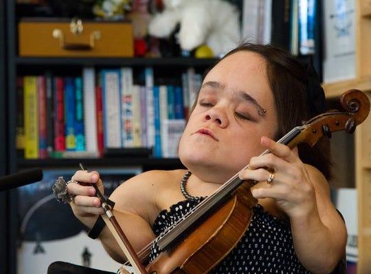 Singer-violinist Gaelynn Lea.