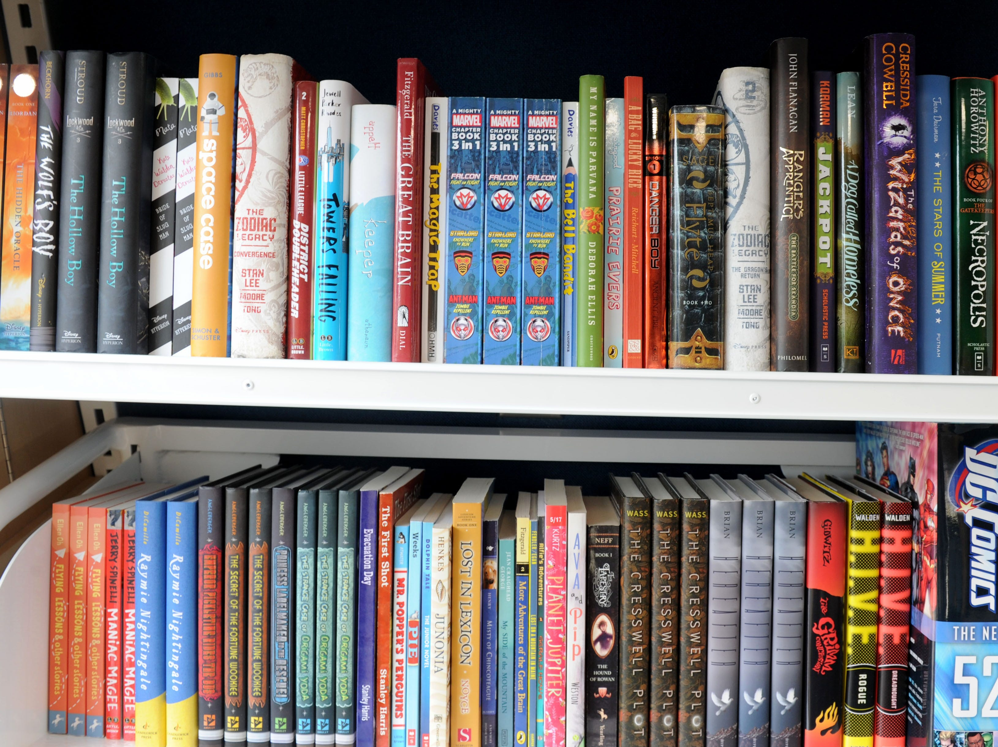 The Ventura County Library's new mobile library is a 26-foot, fuel-efficient vehicle stocked with many of the same services found in a traditional library, including popular materials in multiple formats.