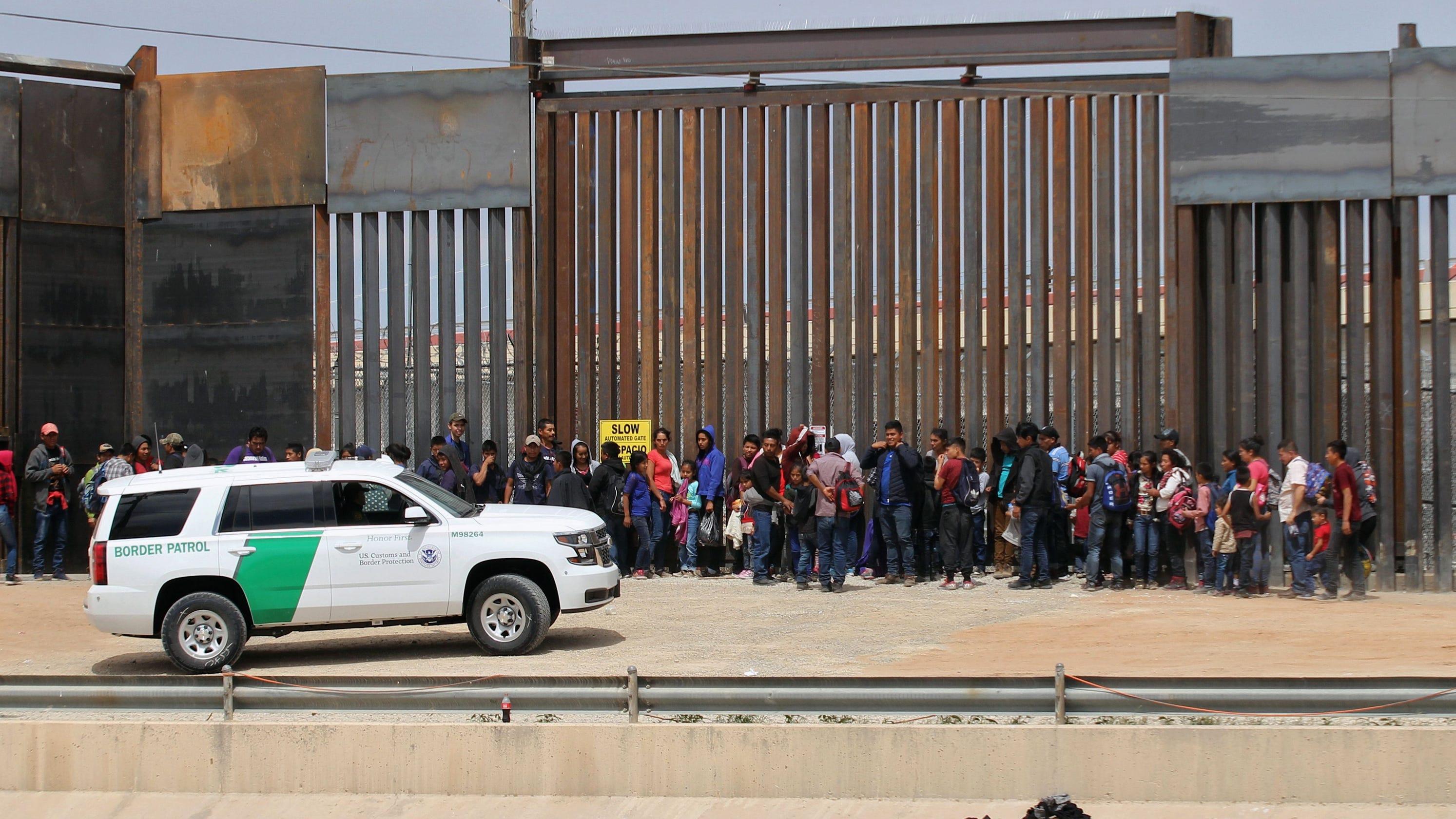 trumps border plan - HD2987×1680