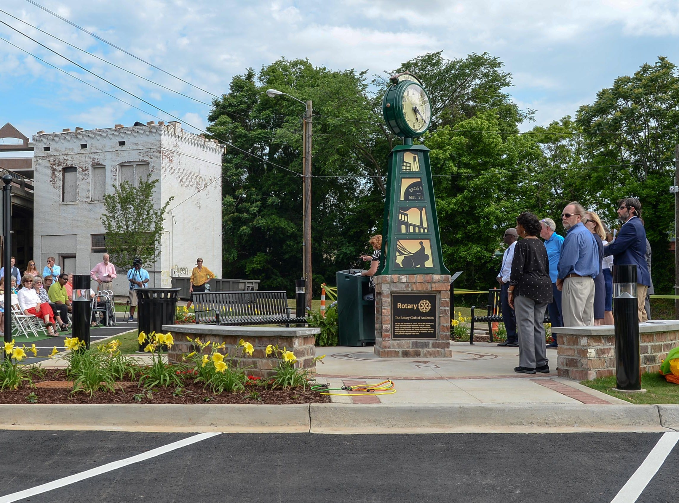Anderson officials helped unveil the Under the bridge project called Textile Point in downtown Anderson Thursday, May 9, 2019. Scott Foster of Anderson designed the monument honoring years of textile mills in Anderson, with support partners from To Benefit Anderson, South Carolina Heritage Corridor, the Rotary Club of Anderson, and the City of Anderson.