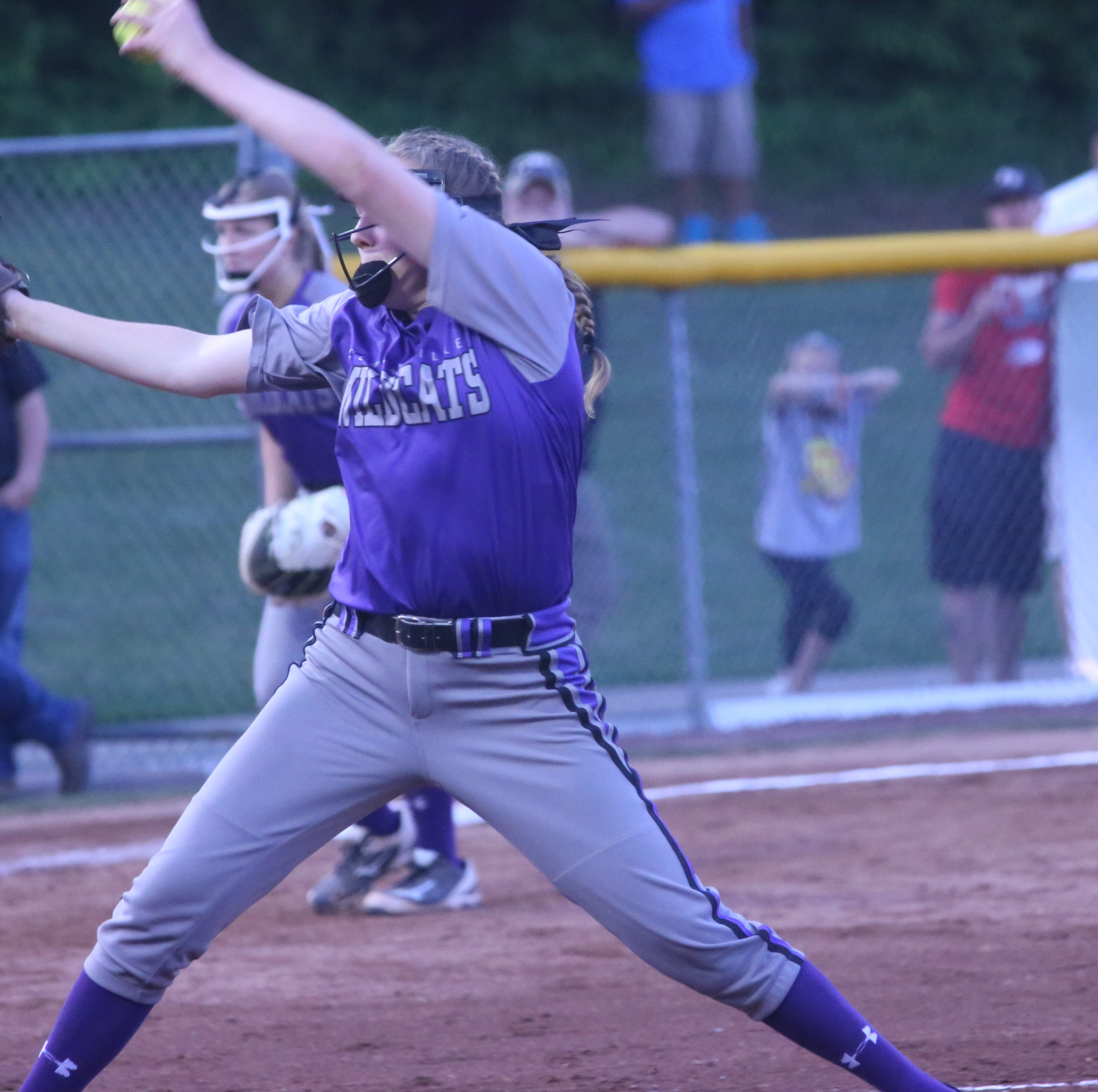 Clarksville's Sydney Weatherford finds time for three sports with no interest in specialization