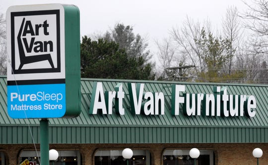"""Art Van Furniture is launching its first loyalty program Friday with the new """"ArtVantage"""" rewards card."""
