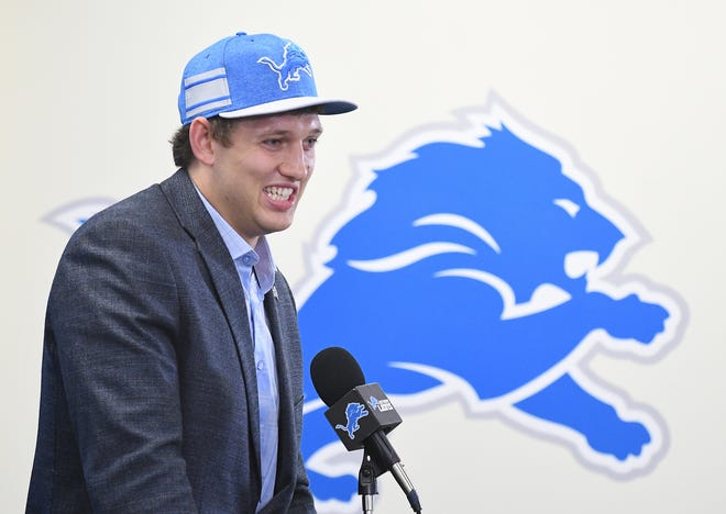 The Lions signed their first-round draft pick, Iowa tight end T.J. Hockenson, on Thursday.