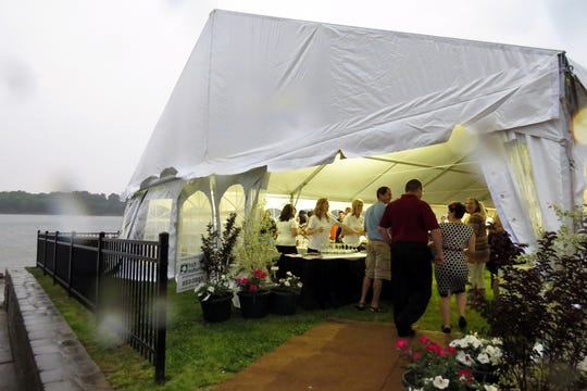 Guests enjoy the 2015 Newburgh Wine, Art and Jazz festival.