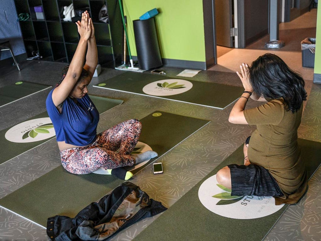 Expectant moms received yoga classes; and information from doctors, midwives and doulas about pregnancy and childbirth.