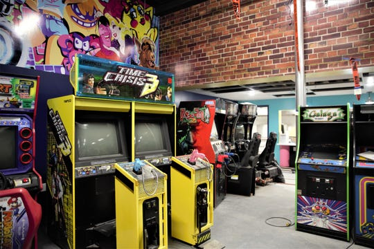 Rad Retrocade will feature a good mixture of 44 arcade video games from ranging from the 80s to the 2000s, basketball shooting games, Skee-Ball and four pinball machines.