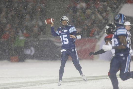 Toronto quarterback Ricky Ray prepares to throw a pass during the Argonauts' 27-24 win in the 2017 Grey Cup.