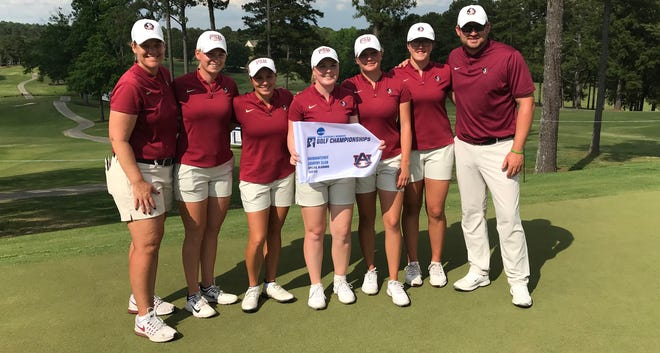 Members of the Florida State women's golf team stand together at the 2019 NCAA Women's Golf Auburn Regional.