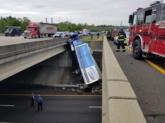 Box truck dangling over the side of I-195 bridge outside Trenton