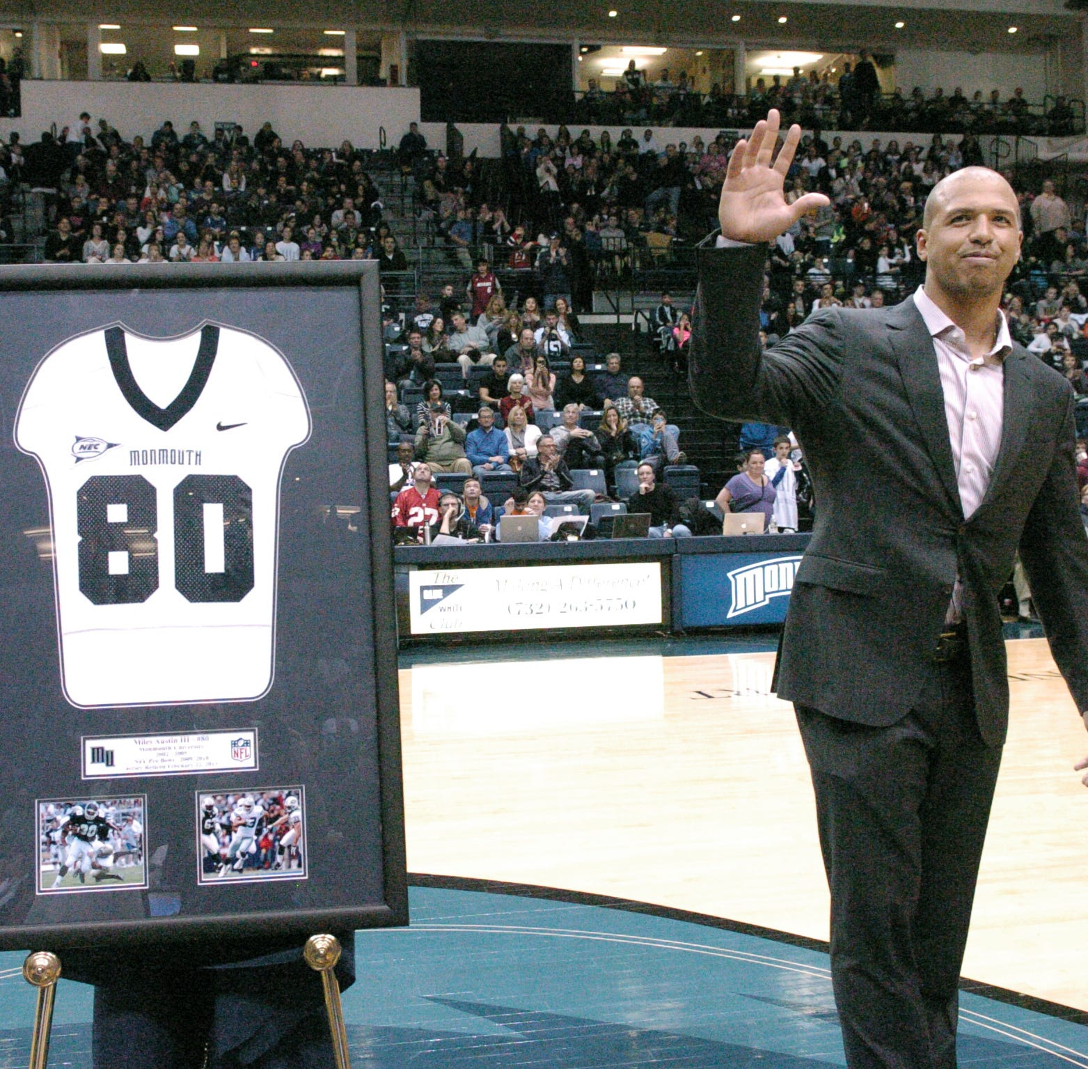 Miles Austin earns his Monmouth University degree — after a 10-year NFL detour