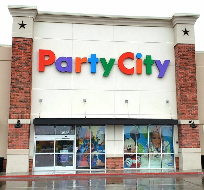 The Party City location, now at The Shops of Abilene Village, is not targeted for closing by the chain in 2019. Company officials have said the closings are not related to dwindling supplies of helium, used for filling balloons.