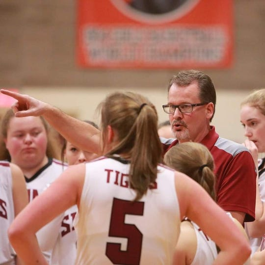 Truitt Kinna coached the Simms High girls' basketball team to 19-4 records the last two seasons.